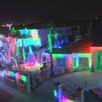 YouTubeで見るクリスマス特集!アトラクションと間違えるイルミネーションの家!